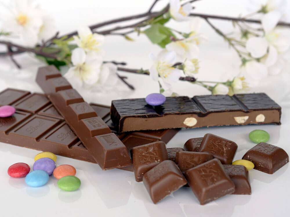 chocolates are harmful for cats