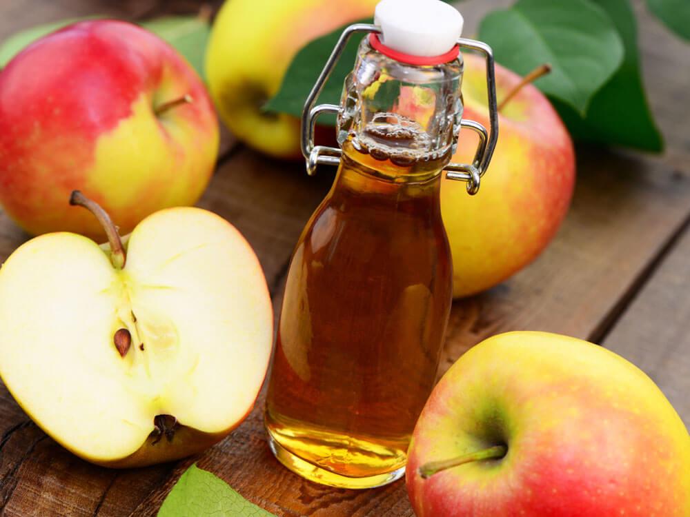 apple cider vinegar, home remedy solution for dog dandruff