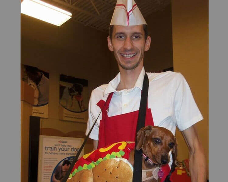 Matching your dog as a hot dog and a hot dog vendor