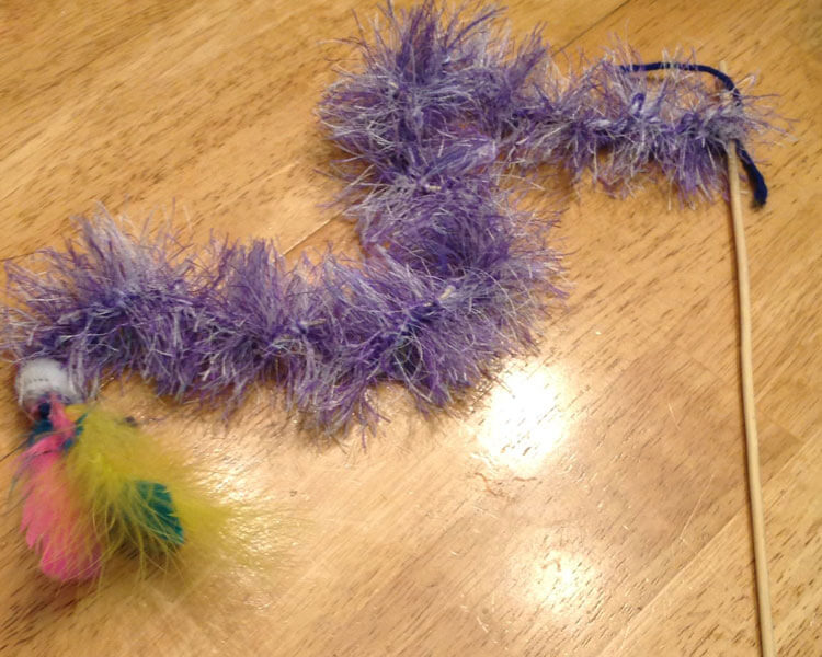 Feather Pounce Toy