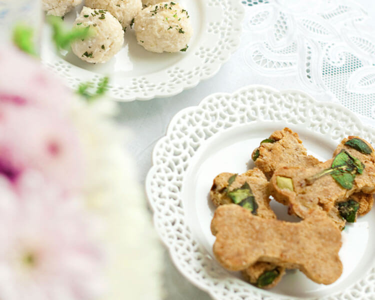 Spinach & Green Apple Biscuits for your dog