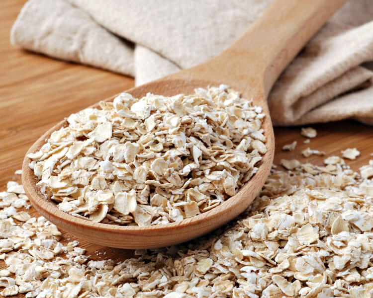 oatmeal, one of the treatments for dogs alopecia