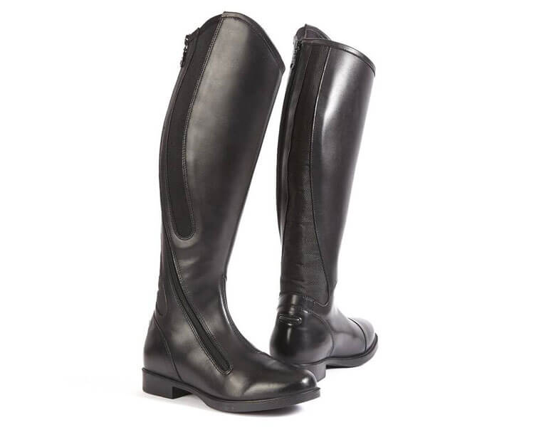 an appropriate boots for horse riding