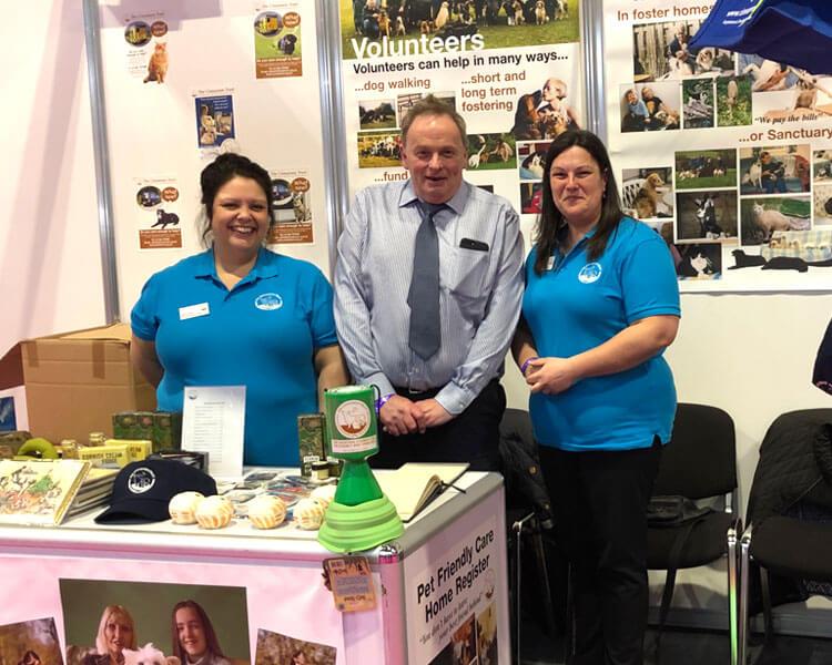 cinnamon trust volunteers at crufts 2019